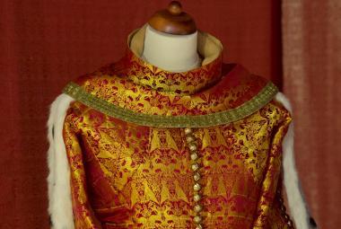 Císař, nebo hejsek? Karlštejn ukazuje, jak se oblékal Karel IV.