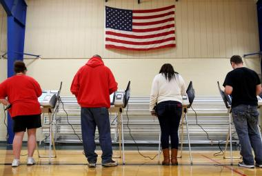 Kdo může být novým prezidentem USA a kdo jsou jeho volitelé. Americké volby krok za krokem