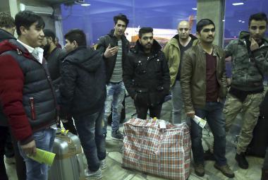 Skupina deportovaných Afghánců