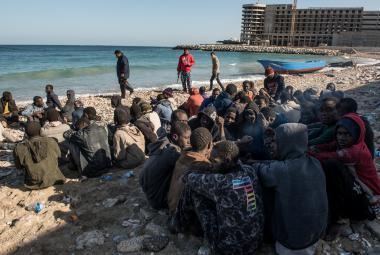 Migranti na pobřeží Libye
