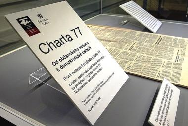 Jak se lišily Charta 77 a 2000 slov? Studenti v Historické laboratoři zkoumají moderní dějiny