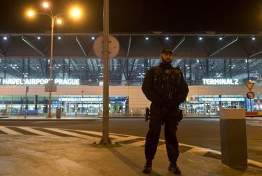 Falešný poplach kvůli bombě na čas omezil provoz Havlova letiště
