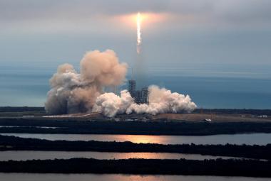 SpaceX úspěšně vyzkoušel vypuštění družice s pomocí již použité rakety