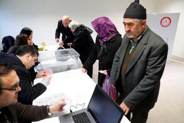 Hlasování na tureckém konzulátu v Berlíně