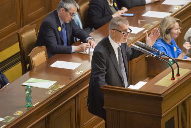 Bohuslav Sobotka a Andrej Babiš na mimořádné schůzi Poslanecké sněmovny
