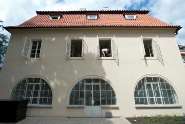 Opravená Werichova vila