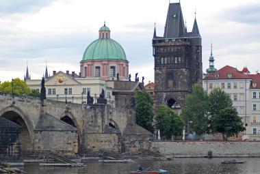 Karlův most se Staroměstskou mosteckou věží