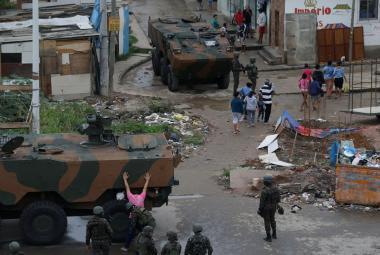 Armáda v chudinské čtvrti Ria