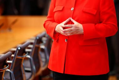 Angela Merkelová a její typické gesto