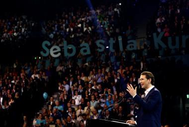 Sebastian Kurz dokáže hravě zaplnit sportovní haly