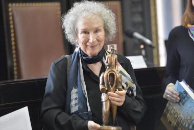 Margaret Atwoodová: Příběh služebnice se může stát. Svoboda není napořád