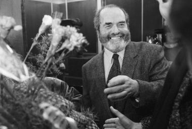 Pavel Tigrid po příletu do Prahy v prosinci 1989
