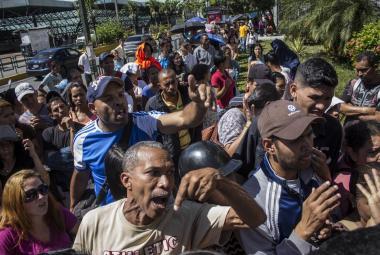 Fronta na pptraviny v Caracasu