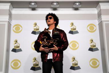 Pop porazil rap, ale jen o gramofon. Nejvíce cen Grammy získal Bruno Mars