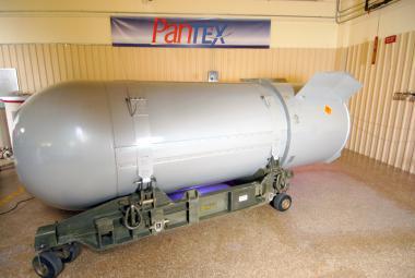 Americká jaderná bomba