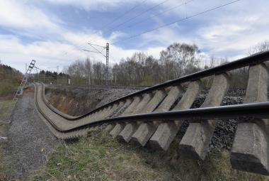Česká krajina je v pohybu, sesuvy jsou ničivé, varuje nový pořad Tiché hrozby