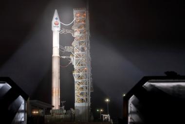 """""""Robotický havíř"""" úspěšně odstartoval. Sonda InSight má vůbec poprvé nakouknout pod povrch rudé planety"""