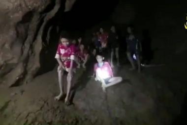 Chlapci nalezení v thajské jeskyni