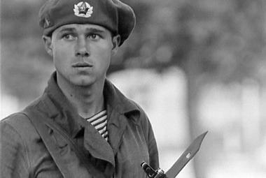 Sedí na tanku a nerozumí. Můj neznámý vojín vnímá srpen 1968 z pohledu okupantů
