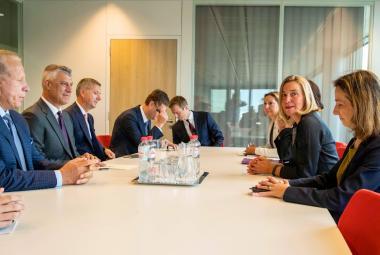 Federica Mogheriniová jednala v Bruselu se srbským a kosovským prezidentem