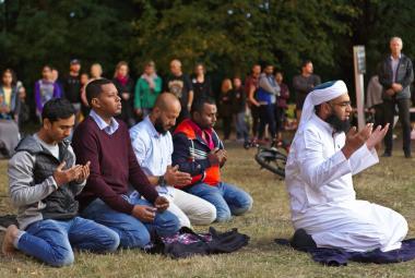 Modlitba poblíž místa útoku v Christchurchi