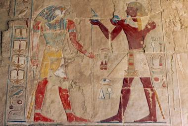 Starověké civilizace byly stabilní díky trestajícím bohům, naznačil experiment brněnských vědců