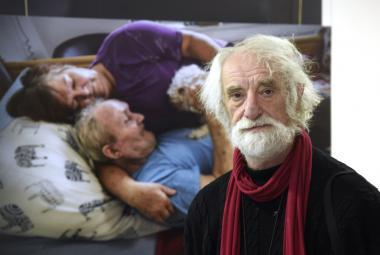 Život může být pěkný i na konci. Jindřich Štreit fotografuje, jak vypadá domácí hospicová péče