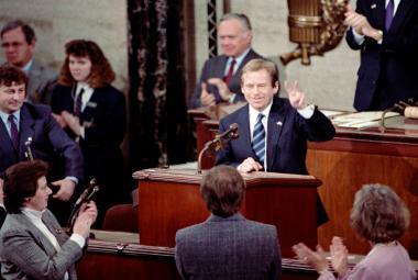 Před 30 lety se vydal Václav Havel poprvé jako prezident do USA. V Kongresu ho třiadvacetkrát přerušily ovace