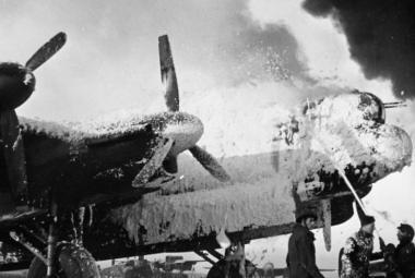 Poslední velký útok Luftwaffe stál zaskočené spojence stovky letadel. Němcům však stejně bylo vítězství k ničemu