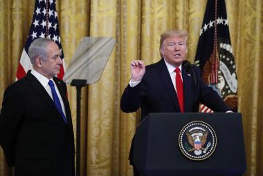 Trump a Netanjahuem při prezentaci mírového plánu