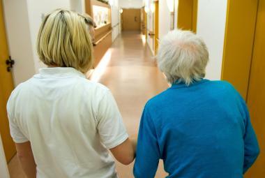 Lidí s demencí prudce přibývá, do roku 2030 jich bude o čtyřicet procent více, oznámila WHO