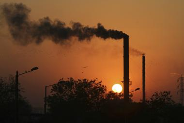 Vláda: Česko se nepřidá k žalobě proti limitům znečištění