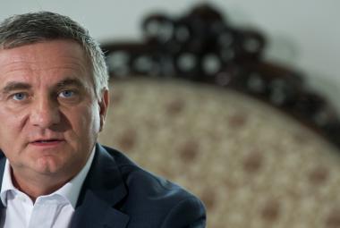 Aféra Liglass: Mynář se zaručil za firmu, jejíž vlastník dluží Česku miliony