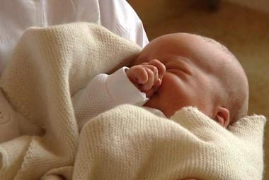 Porodila v kómatu, po probuzení se neměla ani posadit. Nyní chce být dítěti opravdovou matkou
