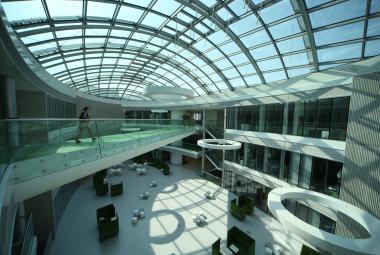 Mají desítky vědeckých center, které v Česku vznikly, smysl? Babiš se ptá, odkud vezmou peníze