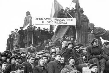 Únor 1948: Manifestace na Staroměstském náměstí