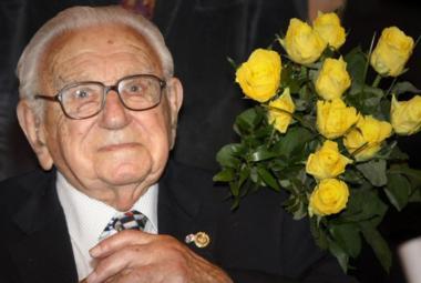 Winton slaví 104. narozeniny. Dostane k nim Nobelovu cenu?