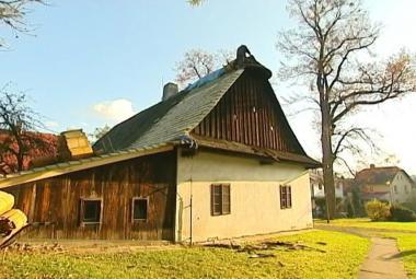Rodný dům Františka Palackého se dočkal nové střechy