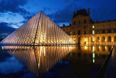 Brány Louvru otevřela lidu revoluce, dodnes je nejstarším muzeem