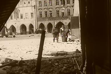 Květen 1945: Emoce přehlušily strach -  lidé vzali moc do svých rukou
