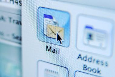 Česko zasáhla vlna podvodných e-mailů, varuje úřad pro kybernetickou bezpečnost