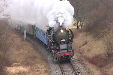 Vlárský průsmyk z okénka historického vlaku