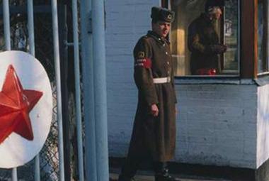 """""""Běž domů Ivane"""" - po 23 letech sovětská vojska konečně odešla"""