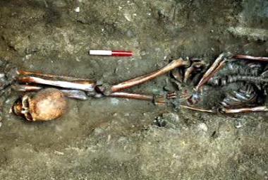 Archeologové v Anglii objevili kostry gladiátorů bez hlav