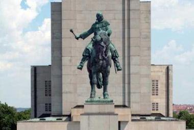 Národní muzeum zbavilo památník na Vítkově Gottwaldova prokletí
