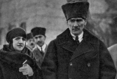 "Zemřel ""otec Turků"" Mustafa Kemal Atatürk"