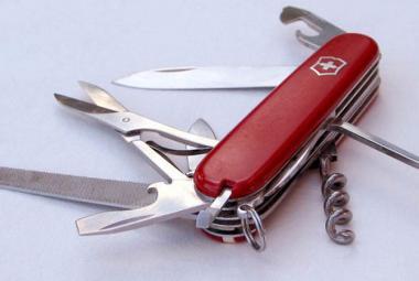 """Byl patentován proslulý """"švýcarský"""" nůž"""
