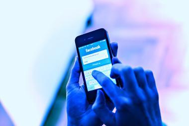 Klaus mladší chtěl trestat provozovatele sociálních sítí za mazání příspěvků. Vláda ho nevyslyšela
