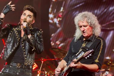 Adam Lambert Praze ukáže, kdo je tu Queen