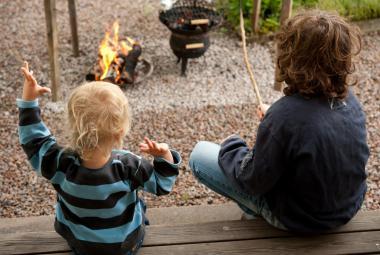 Litevská televize: Norsko bere děti cizincům, aby čelilo důsledkům incestu